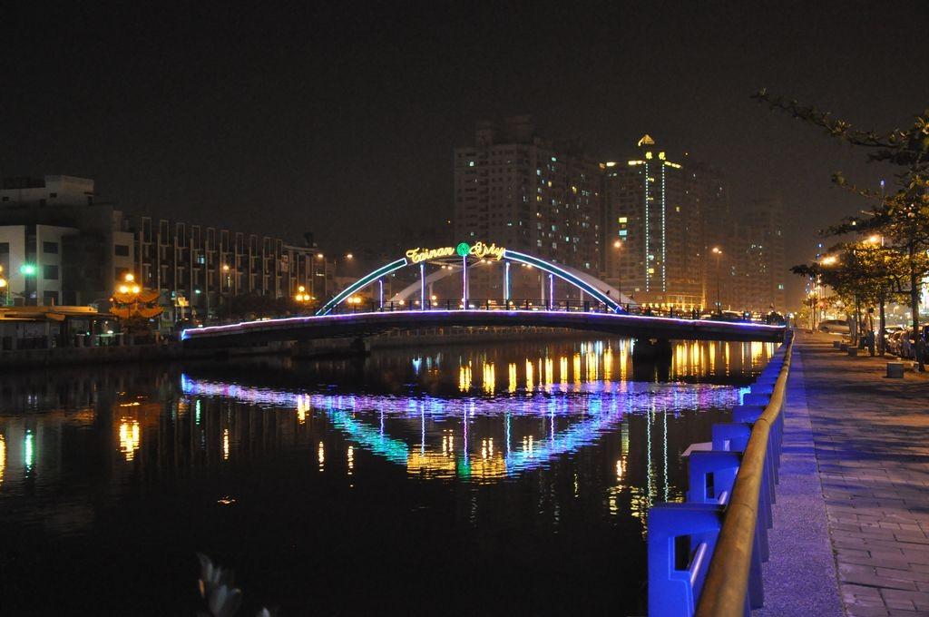 安平望月橋主照片