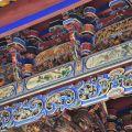 吳鳳廟 與 吳鳳成仁地-廟體簷下美麗的木雕彩繪照片