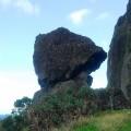 鋼盔岩照片