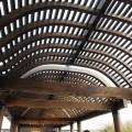 七美人塚-入口原木拱廊照片