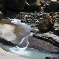 萬年峽谷-峽谷溪流與崩落大石照片