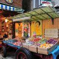 奮起湖老街-老街上賣蕃薯餅的店家照片