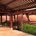 吳鳳紀念公園-優美的紅色迴廊2照片