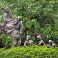 吳鳳紀念公園-吳鳳與原住民雕像照片
