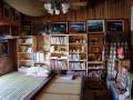 九份文史工作室-2F滿滿都是九份金瓜石有關的文獻藏書照片