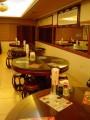鄧師傅滷味(中正店)-二樓也有許多大的圓桌供三人以上用餐。照片